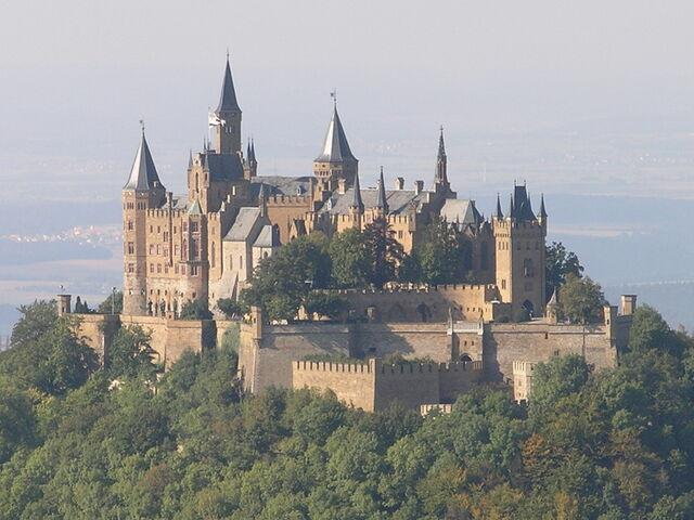 File:CastleHulstria.jpg