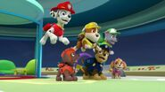 PAW.Patrol.S01E16.Pups.Save.Christmas.720p.WEBRip.x264.AAC 504004