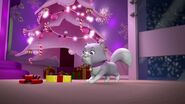 PAW.Patrol.S01E16.Pups.Save.Christmas.720p.WEBRip.x264.AAC 870770