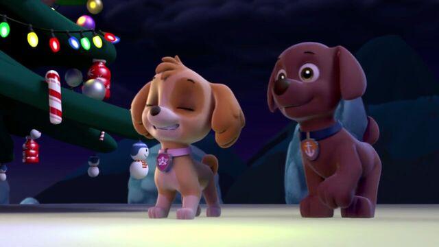 File:PAW.Patrol.S01E16.Pups.Save.Christmas.720p.WEBRip.x264.AAC 1298597.jpg