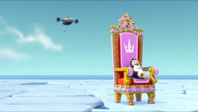 File:Royal Throne 93.jpg