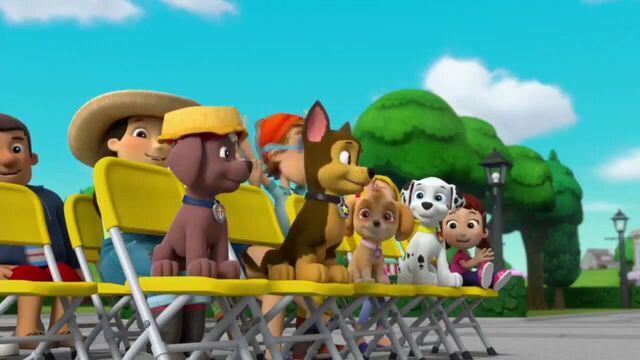 File:PAW Patrol Season 2 Episode 10 Pups Save a Talent Show - Pups Save the Corn Roast 611377.jpg