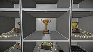 Small-loot-Trophy