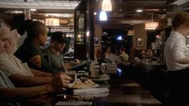 2x01 - Wilmington Diner 02