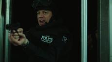4x11 - Bomb Squad Cop