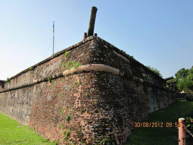 File:Fort Cornwallis, George Town, Penang-0.jpg