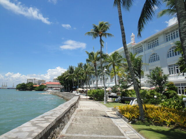 File:Eastern & Oriental Hotel seafront, George Town, Penang.jpg