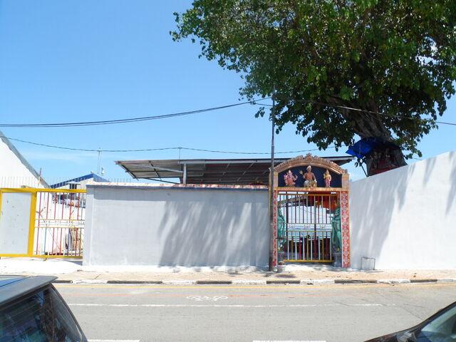 File:Fort Road Hindu Temple, Jalan Tun Syed Sheh Barakbah, George Town, Penang.JPG
