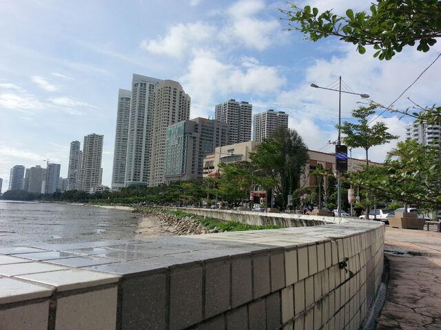 File:Gurney, George Town, Penang.jpg