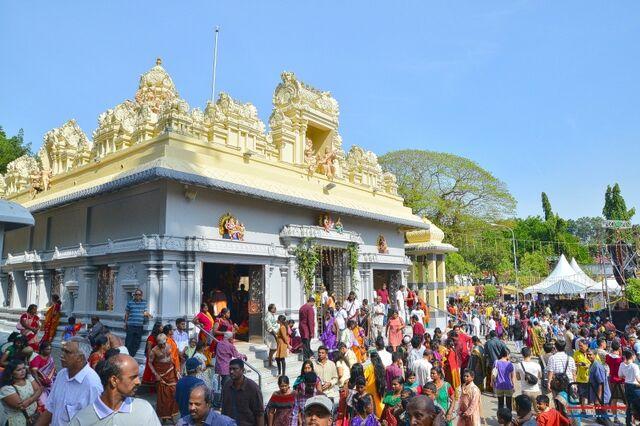 File:Thaipusam at Nattukottai temple, George Town, Penang.jpg