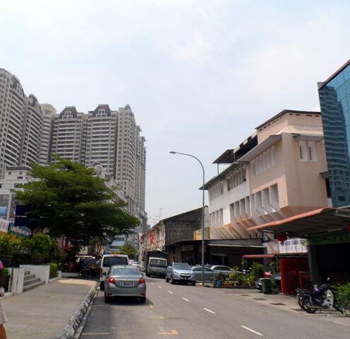 File:Perlis Road, George Town, Penang.JPG