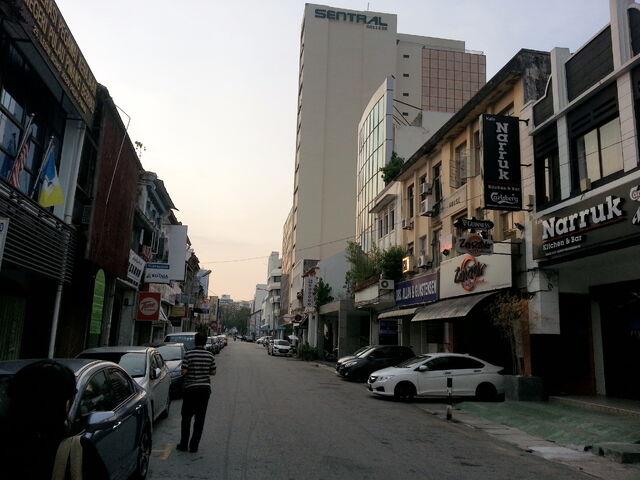 File:Bishop Street, George Town, Penang (3).jpg