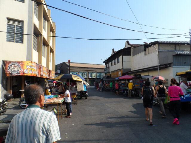 File:Kuantan Road, George Town.JPG