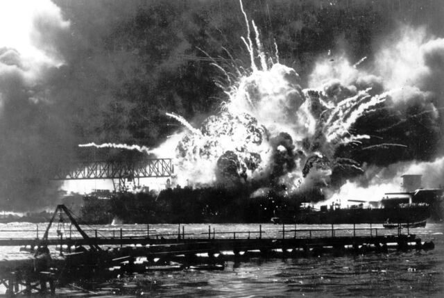 File:Japanese attack on Pearl Harbor.jpg