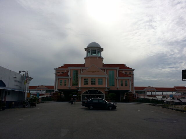 File:Swettenham Pier, Weld Quay, George Town, Penang.jpg