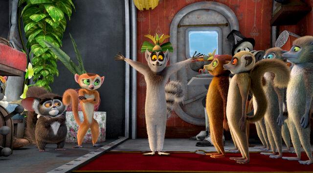 File:King Julien and several lemurs.jpg