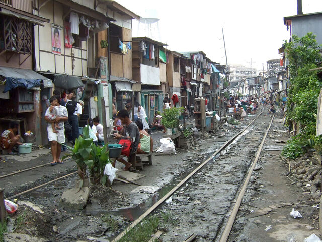 File:Philippine national railways manila squatter.jpg
