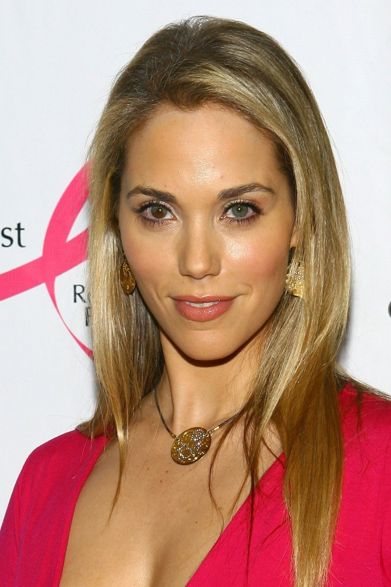 Elizabeth Berkley People Don T Have To Be Anything Else