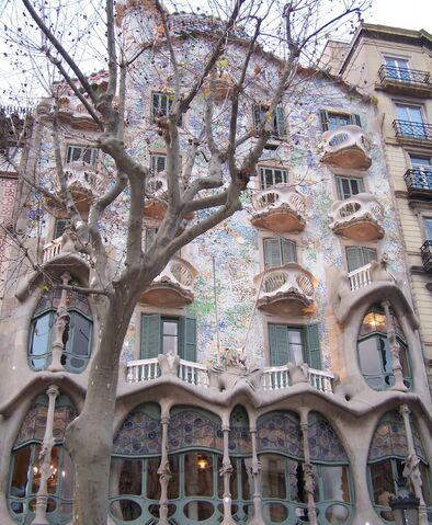File:Barcelona-architecture.jpg