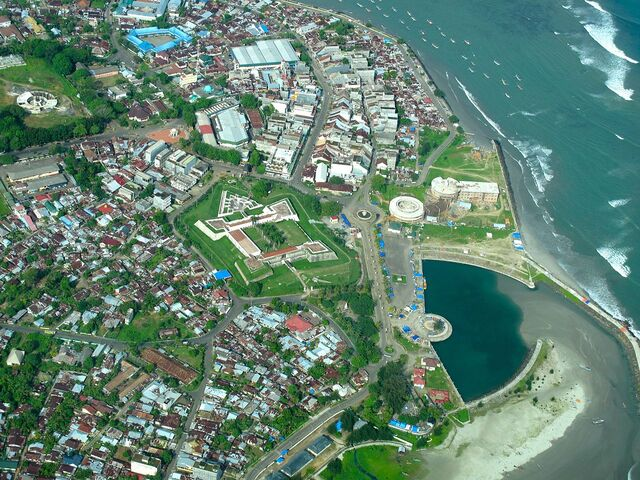 File:1280px-Bengkulu City and Fort Marlborough.jpg