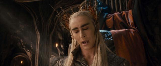 File:Thranduil negotiating with Thorin.jpg