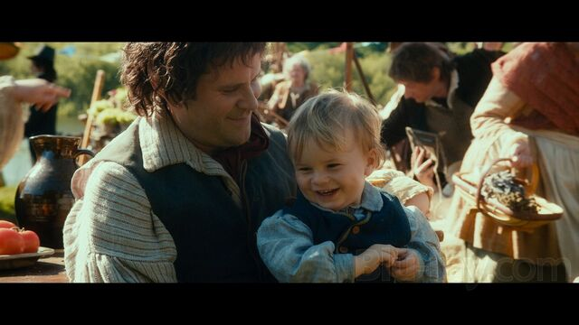 File:Hobbit father and baby.jpg