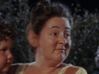 File:Lori Dungey as Mrs. Bracegirdle (extended edition).jpg