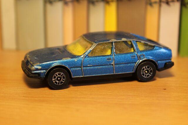 File:Rover SD1 01 .JPG