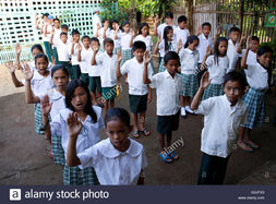 Pupils-recite-panatang-makabayan-an-oath-of-allegiance-to-the-country-G3JFX3