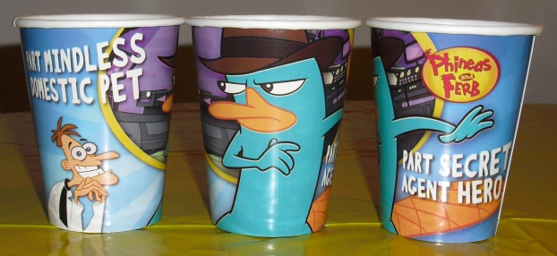 File:Hallmark 9 ounce Agent P paper cups.jpg