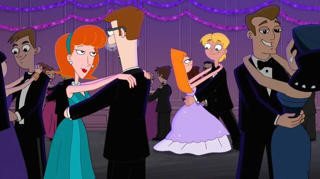 File:Everyone dancing at the City Hall party.jpg