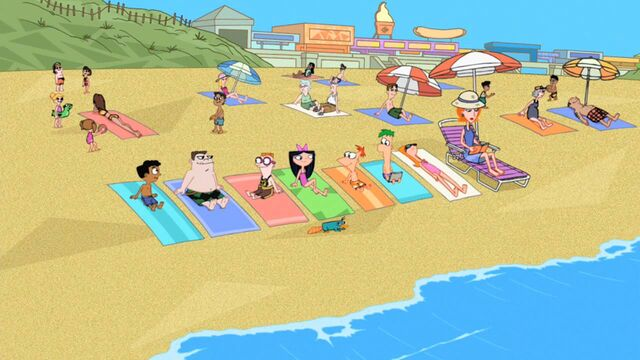 File:Everyone at the beach.jpg
