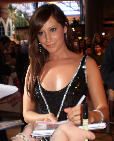 File:Ashley Tisdale at HSM3 Australian premiere.jpg