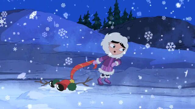 File:Isabella singing Let it Snow Image20.jpg