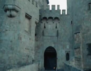 File:Shring Castle.jpg