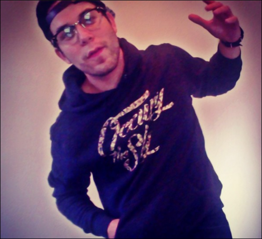 File:Hoodie and glasses.png