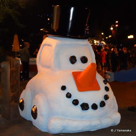 File:Snowy the Snowcar Night.png