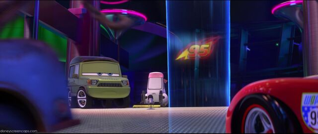 File:Cars2-disneyscreencaps.com-3032.jpg