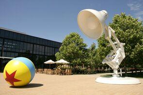 Luxo,Jr.-Ball-large models