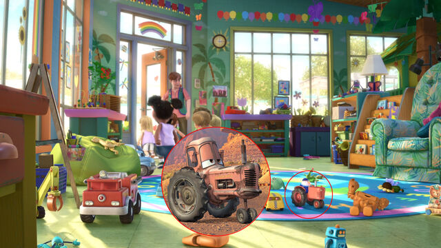 File:Toy-story-3-vaca-tractor-cars.jpg