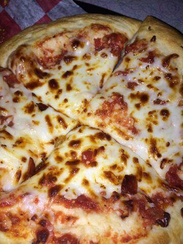 File:Brunswick bowling alley cheese pizza.jpeg
