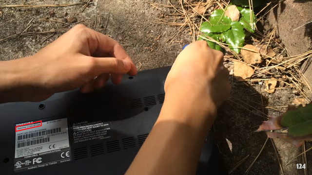 File:Proof that Plainrock124 smashed a Toshiba Satellite C75D-B7304.png