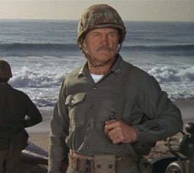 File:Army Officer on beach.jpg
