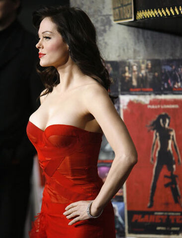 File:Sideshot of Rose at LA premiere.jpg