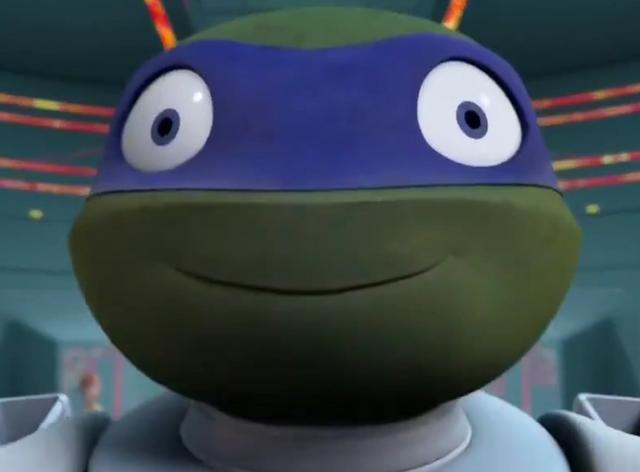 File:Creepy happy leonardo face tmnt for memes.png