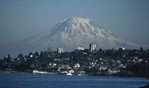 Mount-rainier-over-tacoma