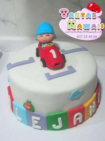 File:Tarta pocoyo racer car coche numero 1 fondant cake.jpg