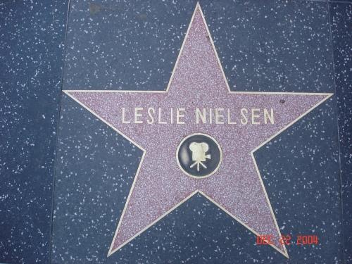 File:Leslie Nielsen-star.jpg