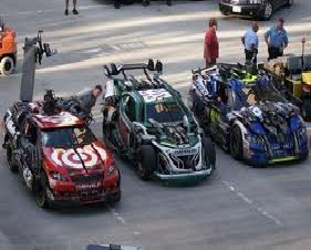 File:Wreckers race cars.png