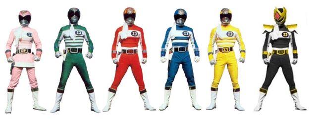 File:Six power rangers.jpeg